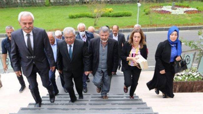 Kürt ittifakı partilerinden Diyarbakır Belediyesi'ne ziyaret