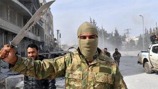 Afrin'de Kürtler kendi evlerinde göçmen Araplarla yaşamaya zorlanıyor