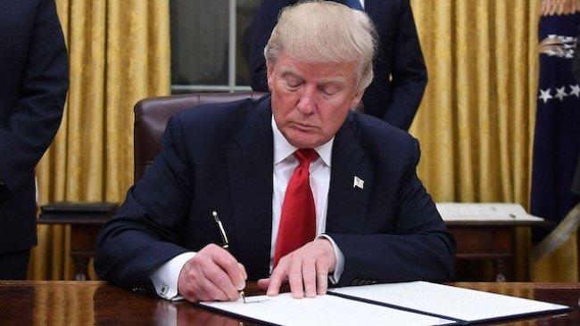 Trump, İran'a yaptırım kararını imzaladı