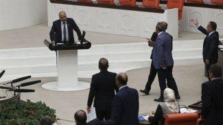 HDP'li Ahmet Şık'a AK Parti'den icra takibi
