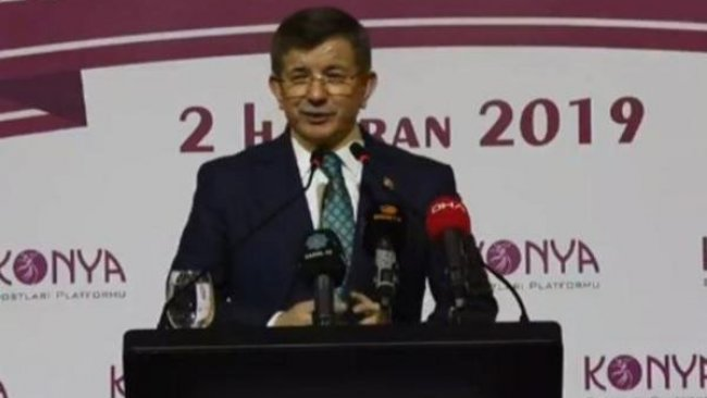 Davutoğlu'dan yeni parti için ilk sinyal