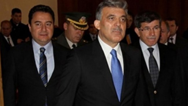 Davutoğlu'nun eski danışmanı yeni parti için tarih verdi
