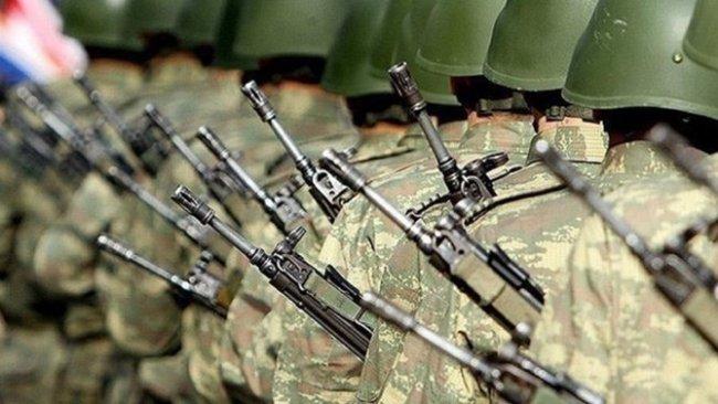 Türkiye'de yeni askerlik sistemi salı günü oylanıyor