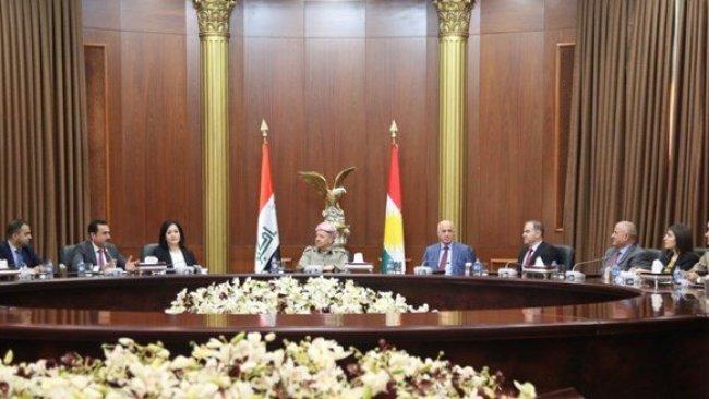 Başkan Barzani, KDP parlamenterleriyle bir araya geldi