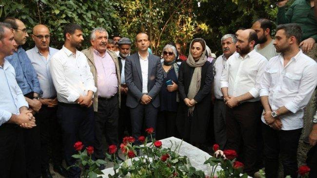Kürt siyasetçi Orhan Doğan mezarı başında anıldı