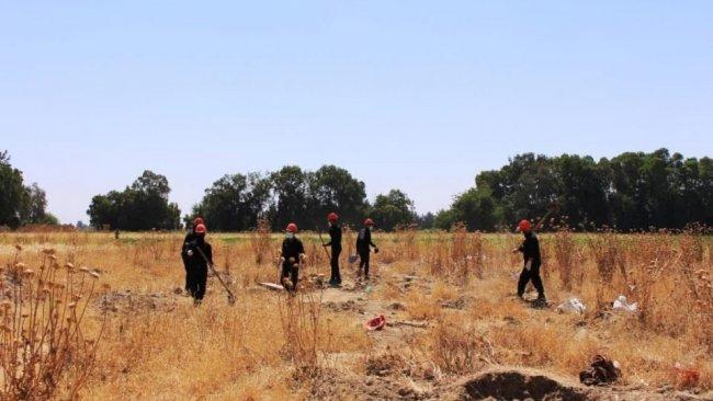 Rakka'daki bir toplu mezardan 190 cenaze çıkartıldı