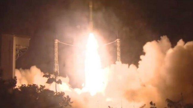 Birleşik Arap Emirlikleri'ne ait roket, ateşlendikten iki dakika sonra kayboldu