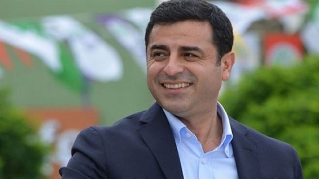 Demirtaş'tan 'tutuklanacak' olanlara esprili tavsiyeler