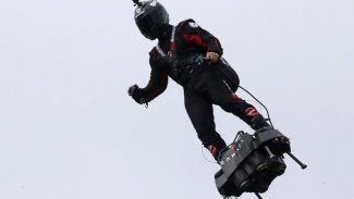 FRANSA - Bastille Günü kutlamalarına uçan asker gösterisi damga vurdu