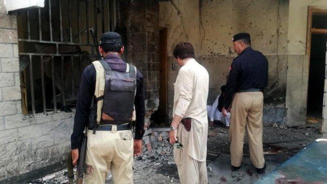 Pakistan'da çifte saldırı: Çok sayıda ölü ve yaralı var