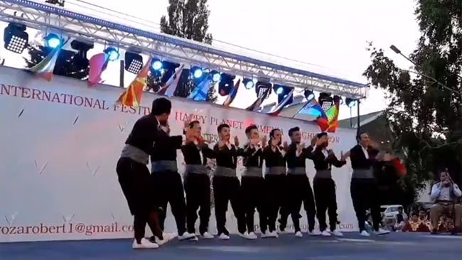 Ermenistan'da düzenlenen festivalde Rojhılatlı 2 ekip birinci oldu
