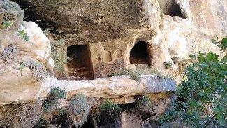 Kürt ilindeki Komagene Uygarlığı'na ait 'tripleks' mağaralara ilk kez girildi