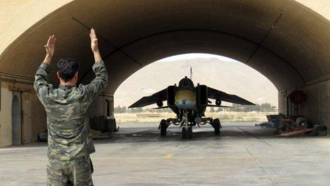 Suriye'nin askeri hava üssünde patlama: 20 ölü