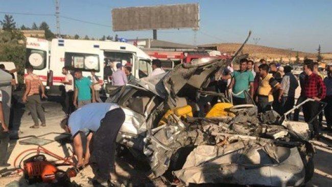 Antep - Urfa yolunda kaza: 3 ölü, 12 yaralı