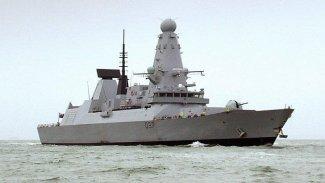 İngiliz savaş gemisi Körfez'e doğru yola çıktı