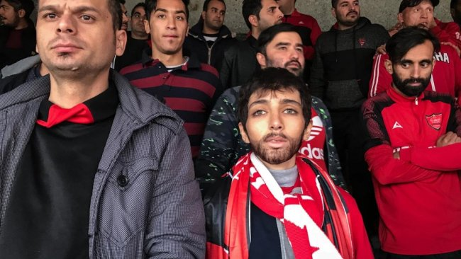 İranlı gazeteci, erkek kılığında maç izlediği için gözaltına alındı