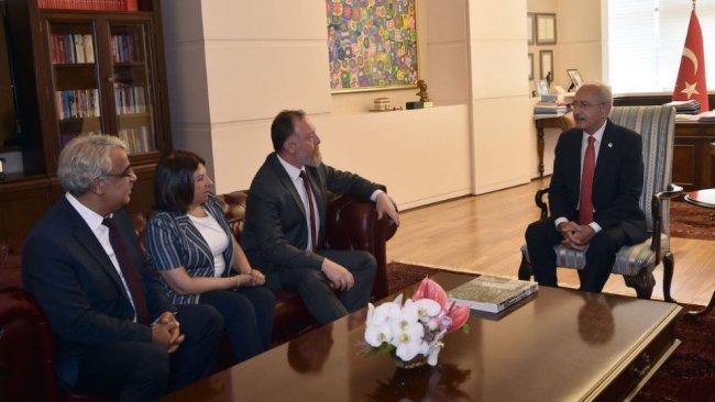 HDP heyeti, CHP lideri Kılıçdaroğlu ile görüştü