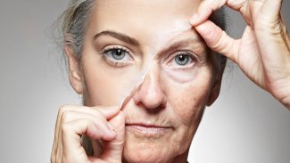 Bilim insanları, tesadüfen yaşlanmayı tersine çevirdi!