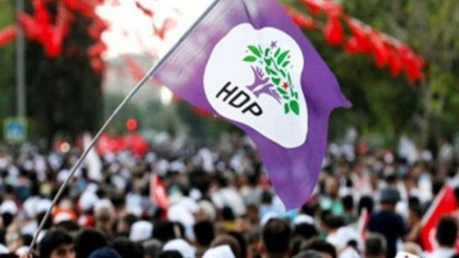 HDP'den parti binası önünde eylem yapan aileler için meclise çağrı