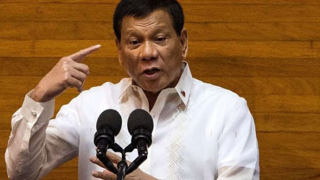 Duterte'den halkına: Rüşvet isteyen memurları vurun ama öldürmeyin