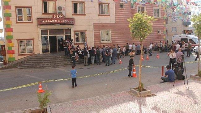 Diyarbakır'da ailelerden HDP hakkında suç duyurusu