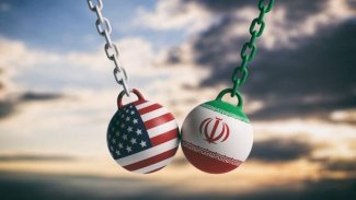 İran'lı Komutan: ABD ile savaşa hazırız