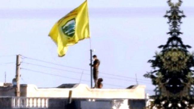 Rojava sınırına Girê Spî Askeri Meclisi bayrakları asıldı