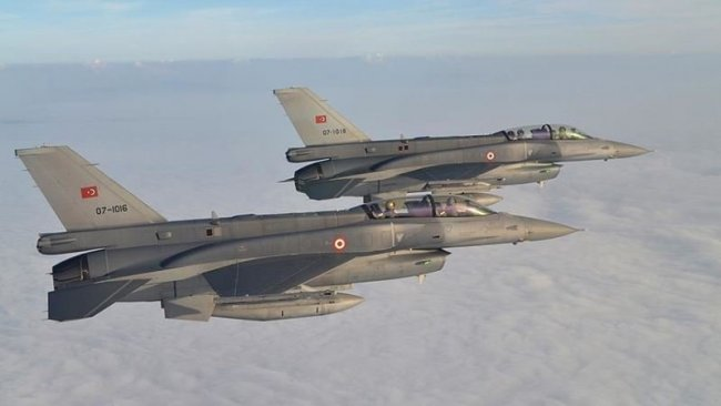 TSK'ya ait F-16'lar Suriye hava sahasında uçtu