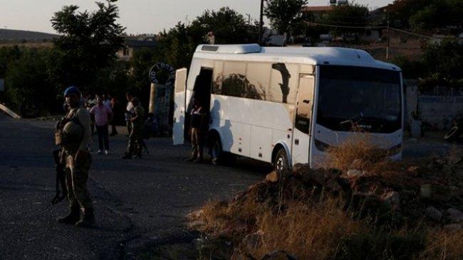 Urfa'da askeri midibüs ile tır çarpıştı: 15 yaralı