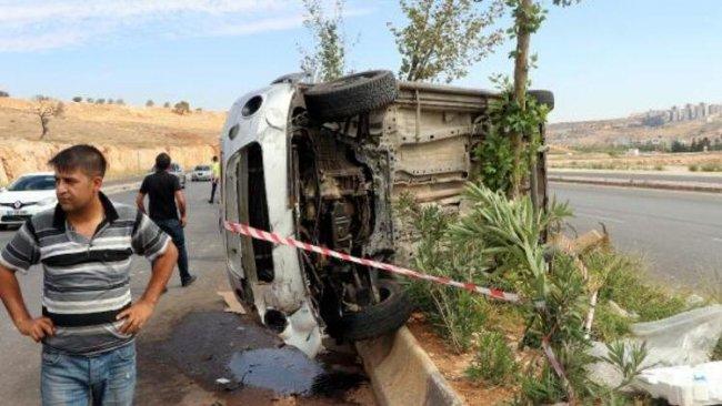 Antep'te iki otomobil çarpıştı: 12 yaralı