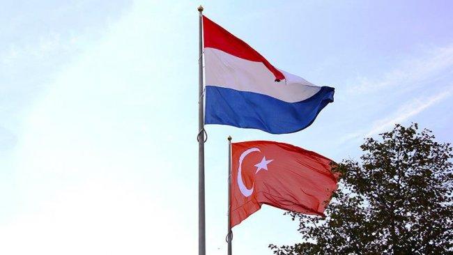 Hollanda Türkiye'ye silah ihracatını askıya aldı