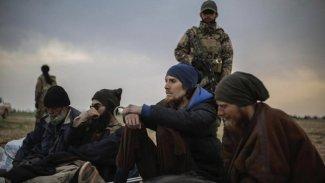 NYT: Kürtler işbirliğini kesti, ABD'nin 60 tutuklu IŞİD'liyi taşıma planı başarısız oldu