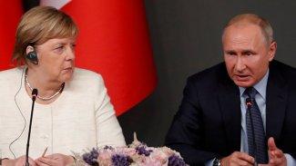 Merkel, Putin ile görüştü.