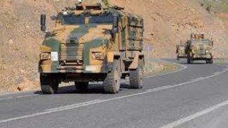 Kars'ta askeri aracın geçişi sırasında patlama