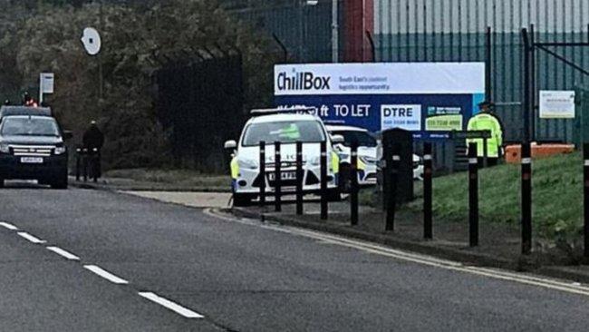 İngiltere'de bir TIR'ın konteynırında 39 ceset bulundu