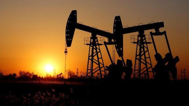 Rusya: ABD Suriye petrolünü çıkarıyor
