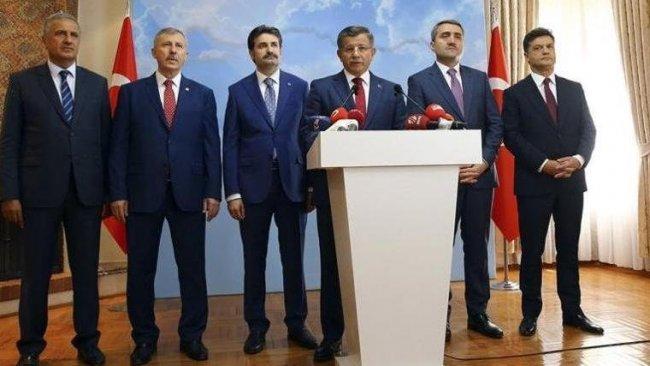 Davutoğlu partisinin tabelasını asıyor: Tarih verildi