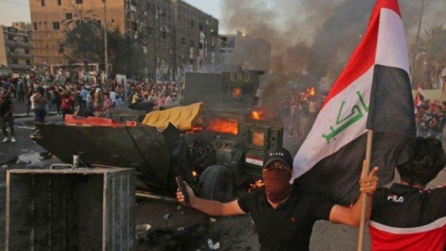 Basra'da göstericiler askeri karargahı işgal etti
