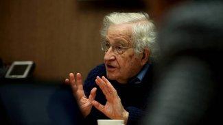 Chomsky: Türkiye'nin harekatı büyük bir savaş suçu