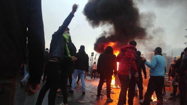 İran'dan gösterilere destek veren ABD'ye tepki