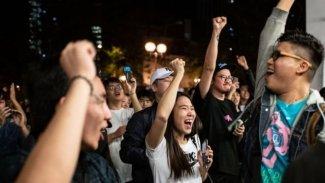 Hong Kong yerel seçimlerinde zafer Çin karşıtlarının