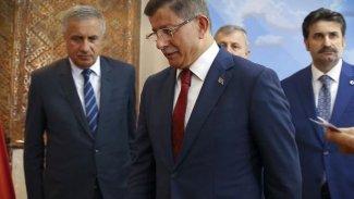 Davutoğlu yeni parti için bugün başvuru yapıyor