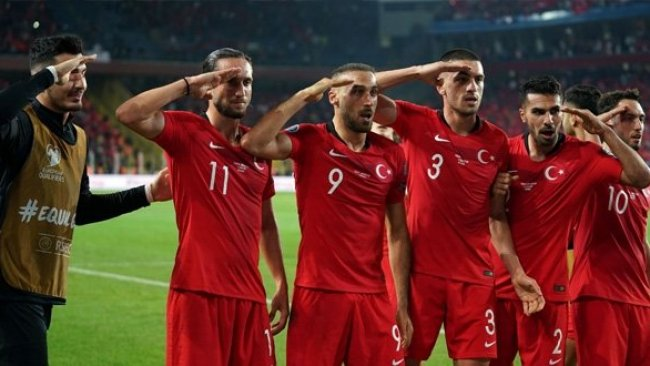 UEFA'dan asker selamı veren Türk futbolcular hakkında karar