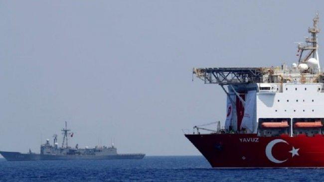 İsrail televizyonu: Türk donanması İsrail gemisini engelledi