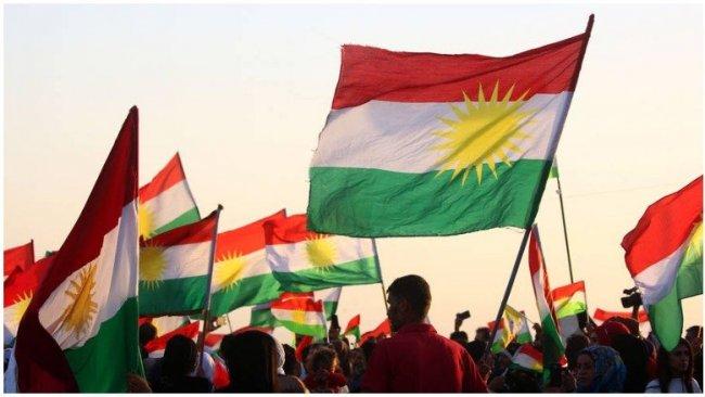 Kerkük'te Kürdistan Bayrağı açan Kürt gençlere gözaltı
