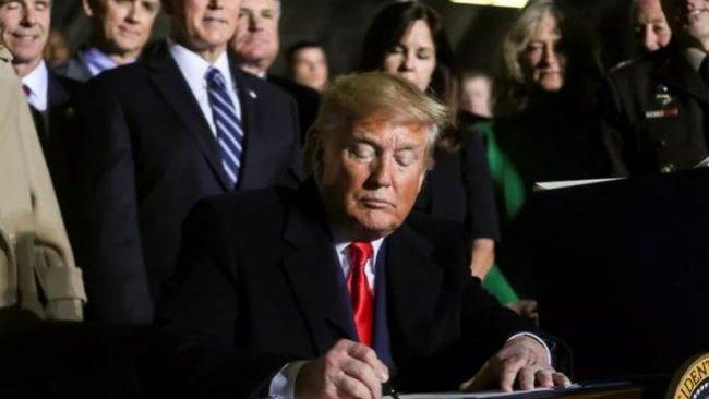 Trump, Türkiye'ye yaptırım içeren yasa tasarısını imzaladı