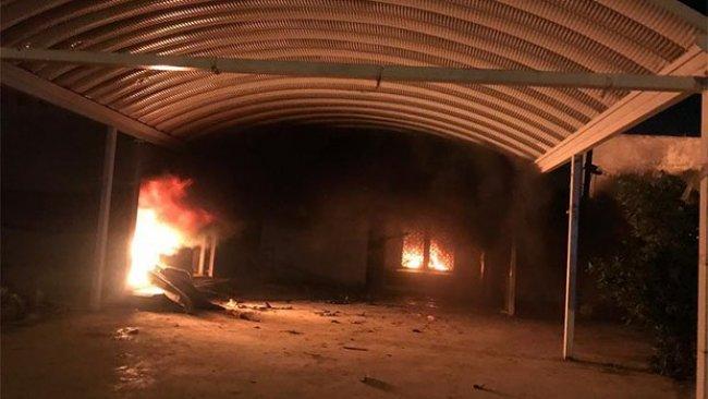 Irak'ta göstericiler, Şii partilere ait büroları ateşe verdi