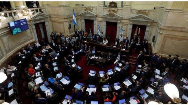 Arjantin'de milletvekilleri 6 ay maaş alamayacak