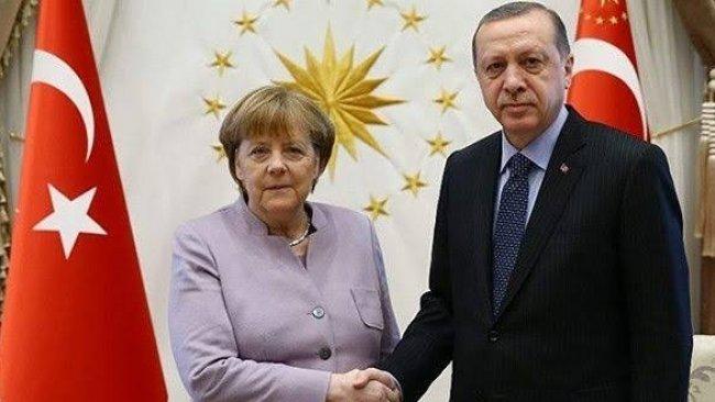 Erdoğan ve Merkel Suriye ile Libya'yı görüştü
