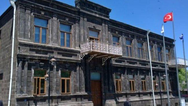 Kars Belediyesi gelir giderlerini paylaştı